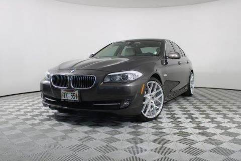 Pre-Owned 2011 BMW 5 Series 528i